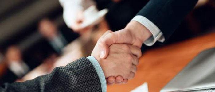 معامله معارض چیست؟